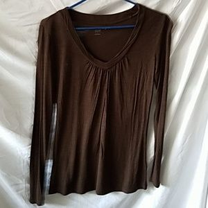 One Brown lightweight long-sleeve pullover